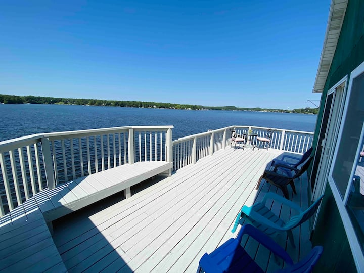 Vacation Haven Pentwater Lake Cottage