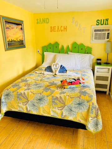 Sun Deck Inn & Suites  - New Bedford