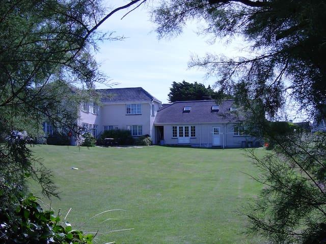 Tamarisk, Garden Cottage Flats - Saint Merryn - Apartment