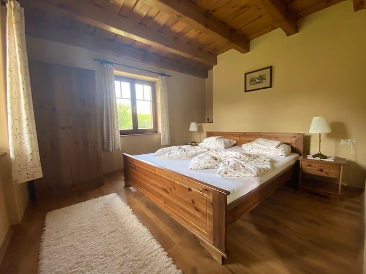 Tóparti Nap- ház (emeleti 2 szobás, fürdőszobával)
