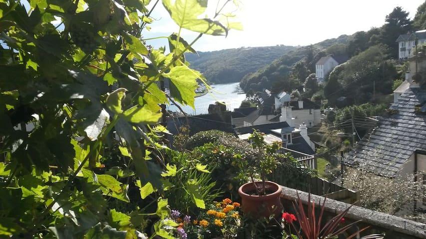 Pretty  villa in Looe on South Cornish coast