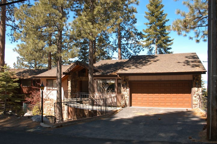 House & Beautiful Lake Tahoe Views - Glenbrook