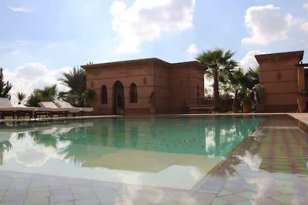 Suite Prestige dans Villa Piscine - Marrakech