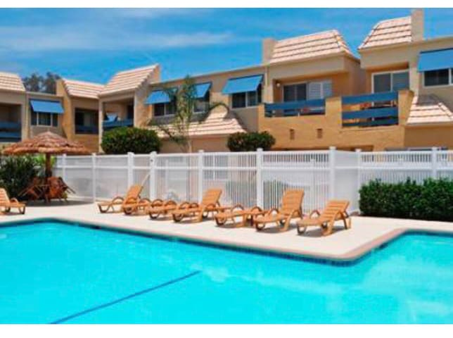 Studio Resort 1 block From Beach - Solana Beach SD