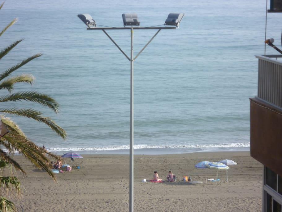 Primera línea de playa. Foto tomada desde el apartamento.