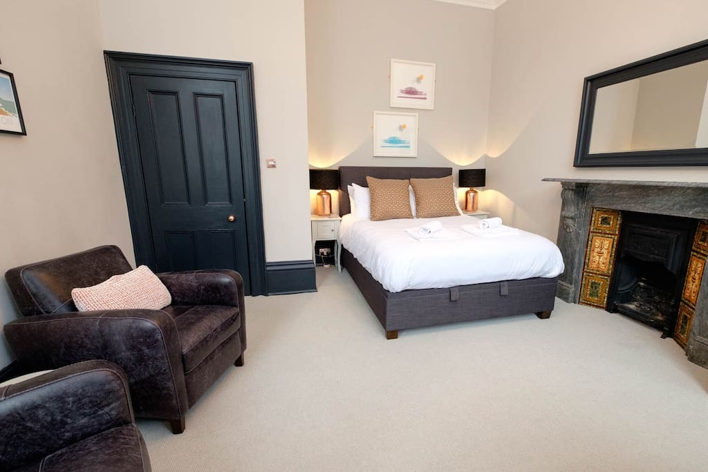 A beautiful newly furnished space - a home away from home