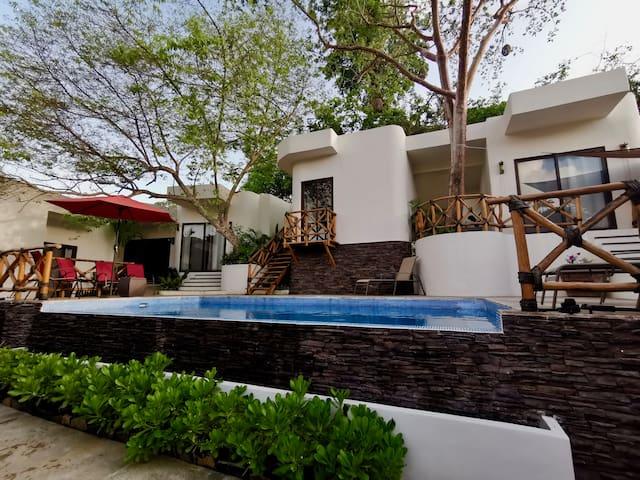 Villa kuali casa en San Pancho hasta 16