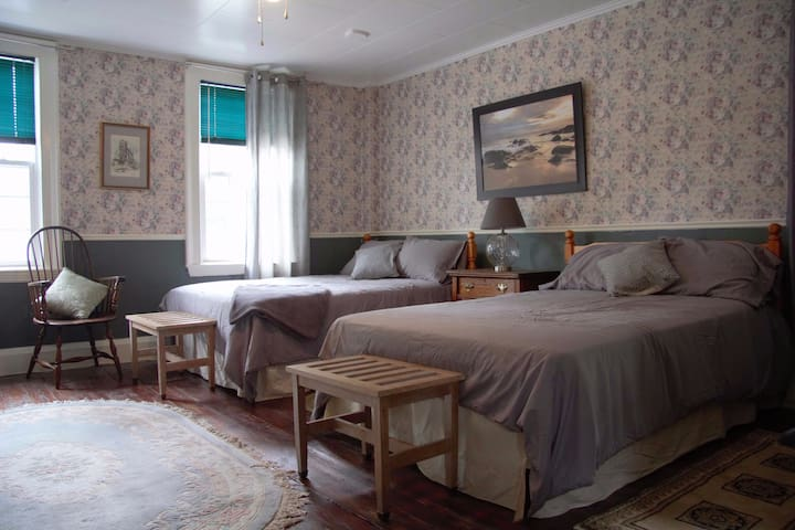 Family sized room in the heart of St Andrews