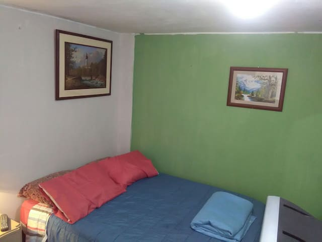 Habitaciones de Wilfredo. Parque Paracas. Número 1