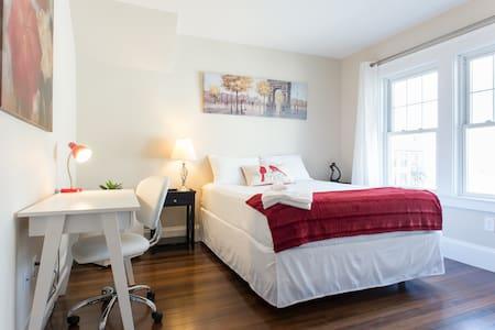 Bedroom by Brandeis / Bentley - 沃尔瑟姆(Waltham)