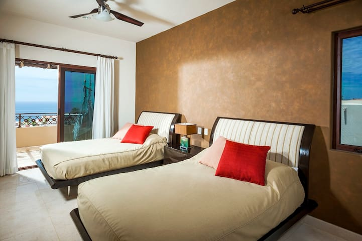 Guest Bedroom #2, two queen size beds, full private bathroom, double vanity!