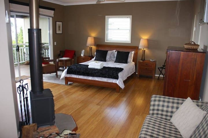 Private guest cottages - Montville - Bed & Breakfast