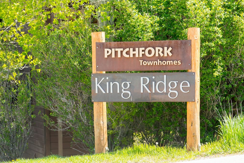 452_Snow King Loop-Main Entrance