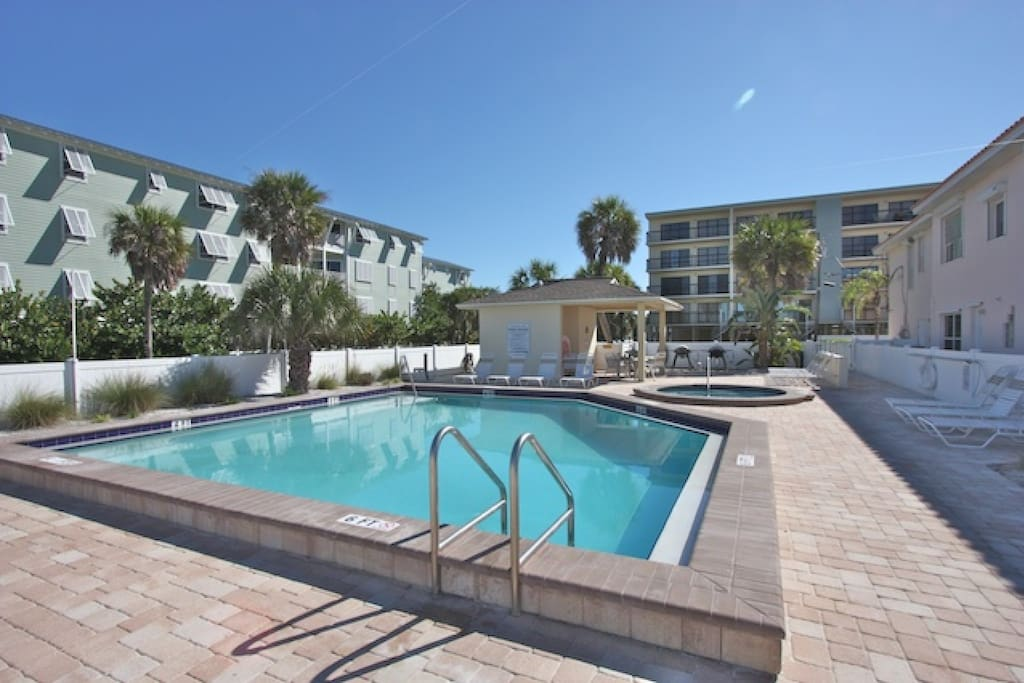 Spend a day in the sun with family at the pool or a lovely evening with a glass of wine and the sunset in the hot tub.