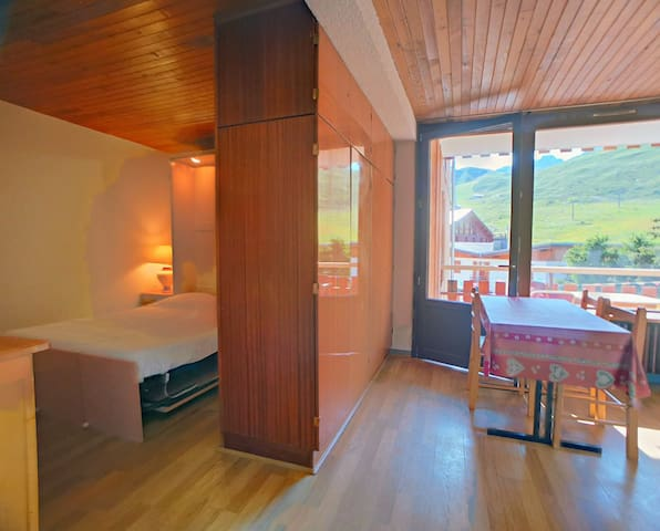 Studio for 4 persons in Tignes close to the shops, the slopes and CIS agency in Le Rosset area