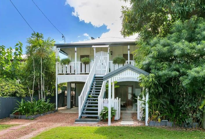 Kat and Craig's Queenslander - Cairns North - House