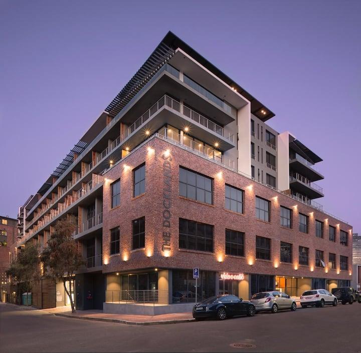 Urban Elephant Apartment 507, Table Mountain View