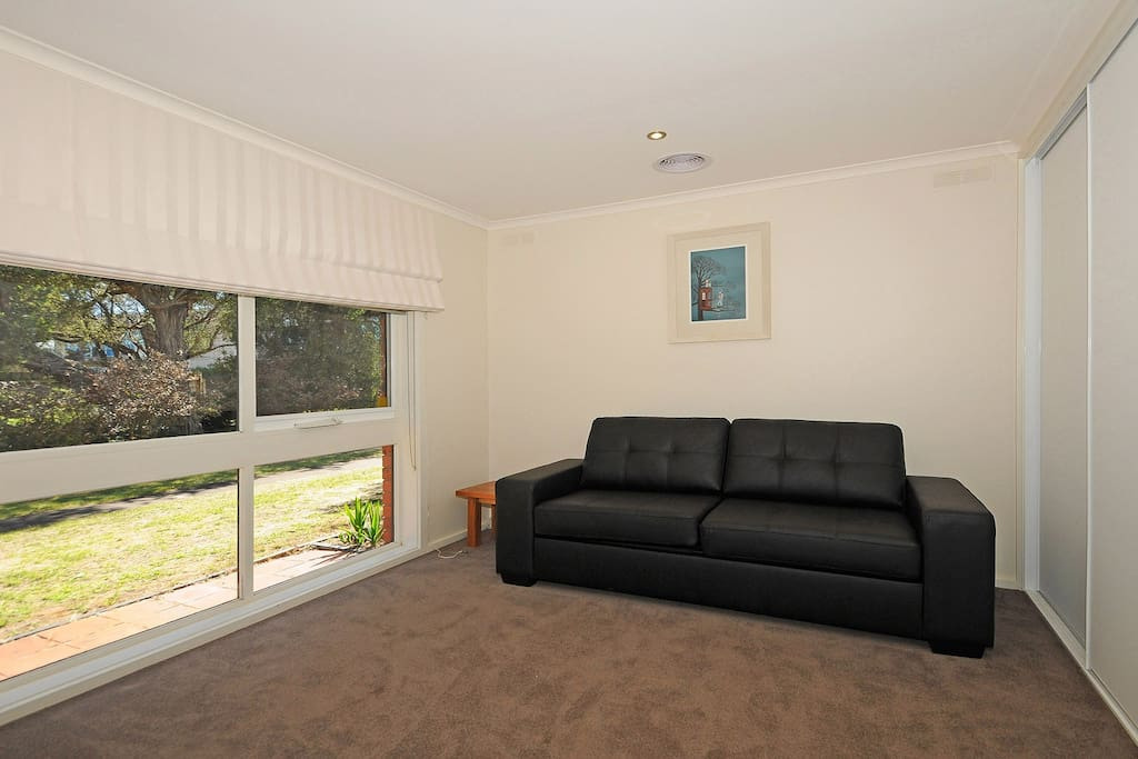 extra open room with sofa bed