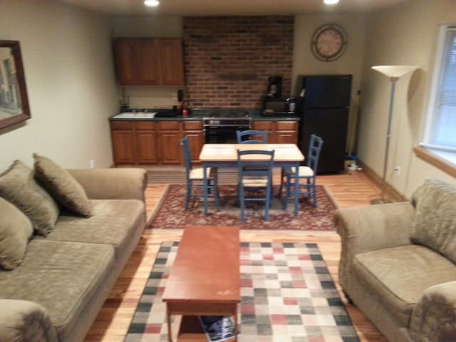 Furnished 1 Bedroom apartment near Ryland Inn