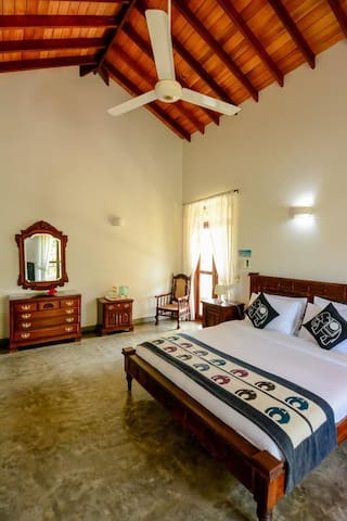 Deluxe Double with Room only @Srilanka