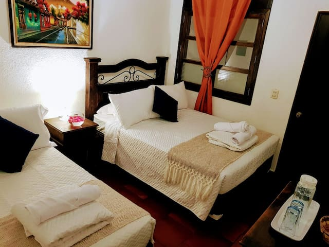 5-star Private Bedroom ✪ / Free Parking