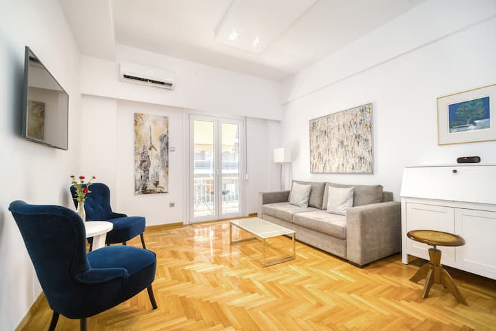 Superb Central Sunny Two Bedroom Condo in Pangrati