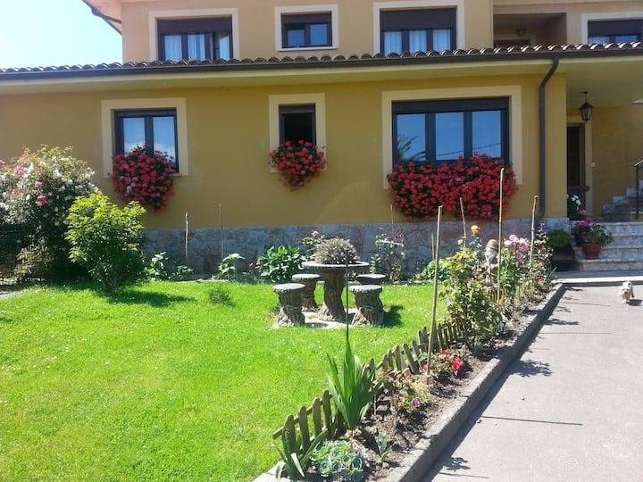 Planta baja en Niembro de Llanes con jardín