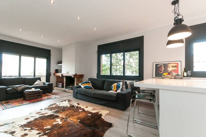 Great apartment close to the beach and Barcelona