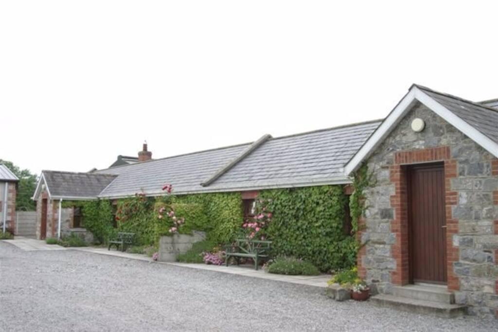 Exterior Cottages 1 & 2
