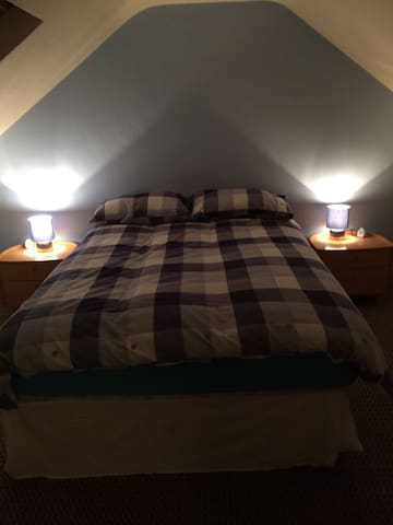 Loft Room for rent Belfast