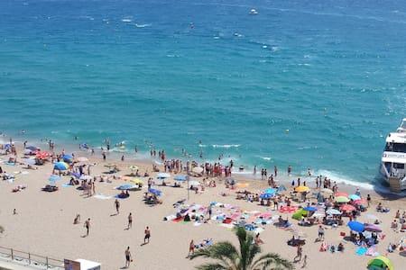 Piso en Blanes 1ª línea de playa, muy bien situado