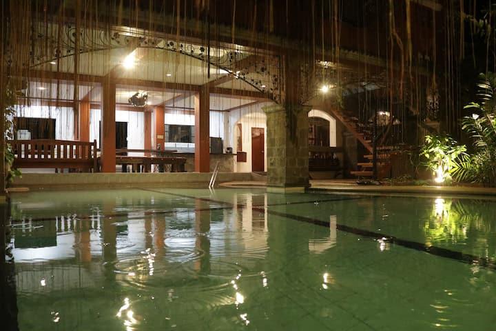 Bahay Kasiyahan Hot Spring Resort
