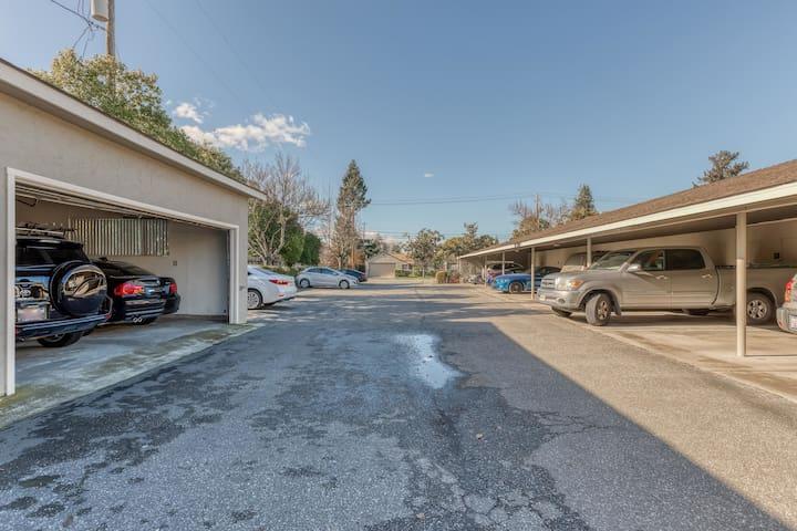 2BR Condominium in Mountain View