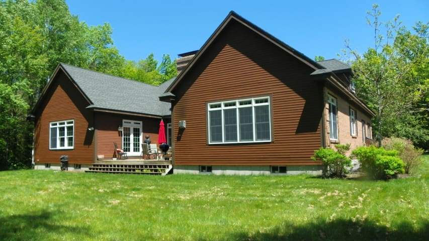 Luxury Waterville Valley 5 bedroom Private Home