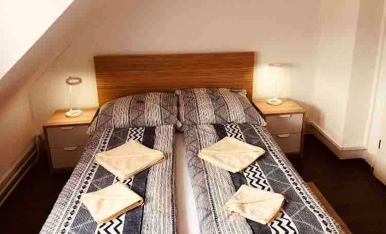 Titisee-cosy nice room with sink/close to the lake
