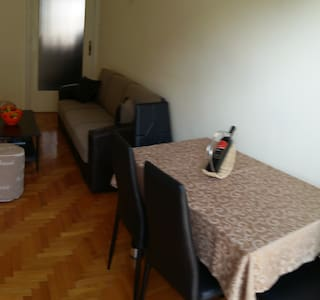 Private Room in Center of Kallithea