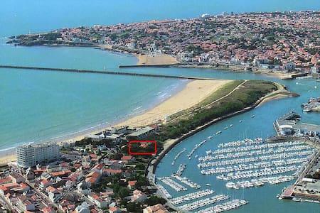 Villa à 50 m de la plage avec vue sur Port la Vie - Saint-Gilles-Croix-de-Vie - Villa