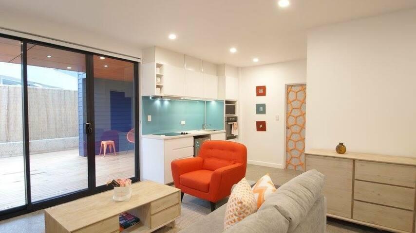 Sunset Place Apartments-The Orange Ground