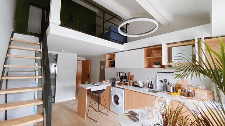 超大75平精品loft整租,两室两厅(2m*2m大床、沙发床)独立厨房,卫生间,干湿分离,奢想生活!
