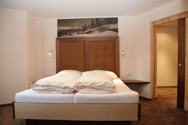 Luxury 2 bed room, direct in Ischgl - Ischgl - Huoneisto