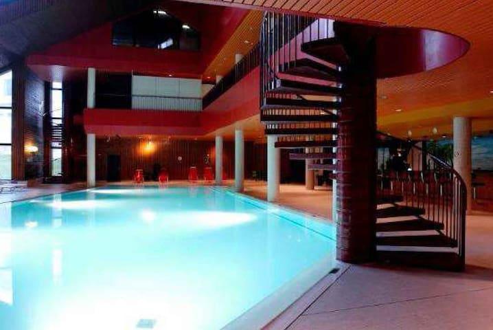 Appartamento con piscina - Mesocco - Appartamento