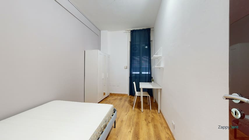 Single room 10 min from Duomo