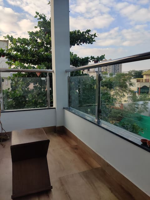 Single room in serviced apartment