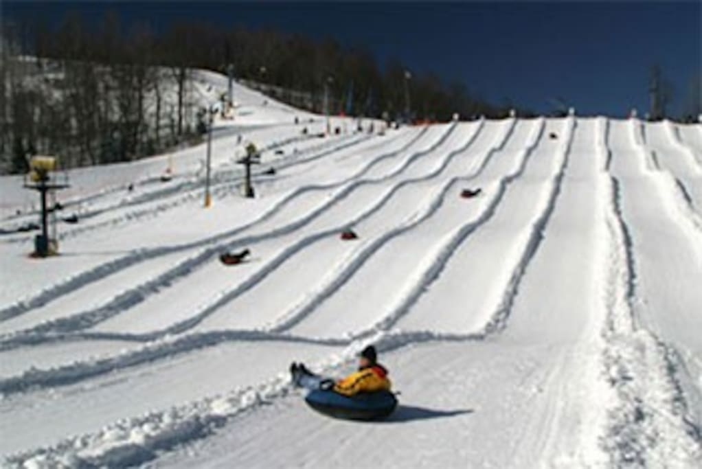 Snow tubbing at Winterplace