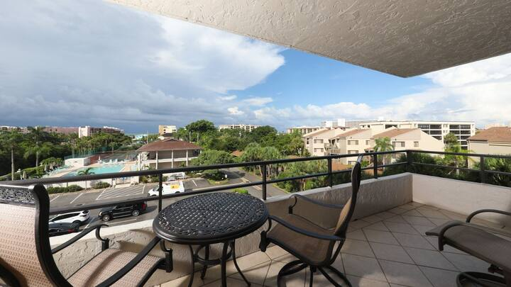 Luxury Private Apartment on The Anchorage, Siesta Key Apartment 1011