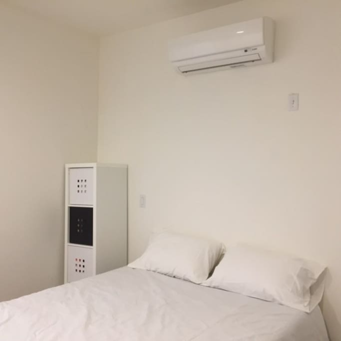 Cozy clean bed!