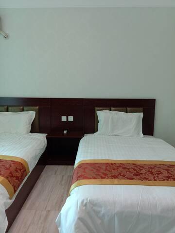 卧室 标间(两张1米2单人床)