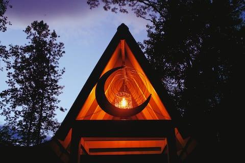 Quartermoon Cabin At The Mountain Shire