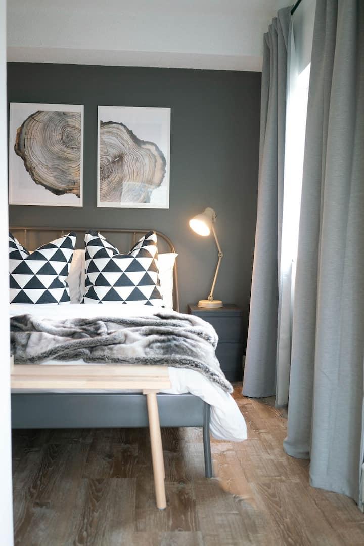 Cozy 1 Bedroom Apartment in Whistler (Creekside).