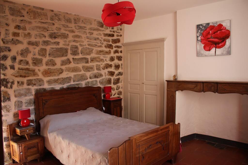 Chambre 2 - un lit double